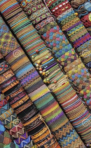 Перуанские украшения ручной работы